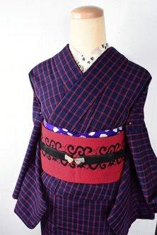 ネイビーとスカーレットのシンプルチェックモダンなウール単着物
