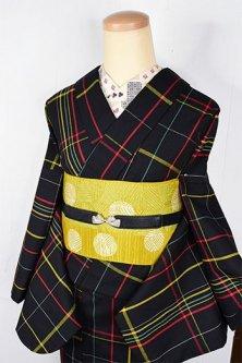 ブラックにマルチカラーチェックモダンなウール単着物