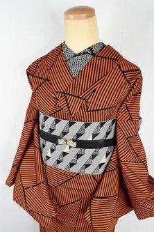 ブラックとオレンジのジオメトリックパターンモダンなウール単着物