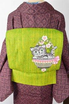スプリンググリーンに猫のボヘミアン刺繍愛らしいウール開き名古屋帯