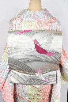 銀色地にコーラルピンクの小鳥モダンキュートな名古屋帯