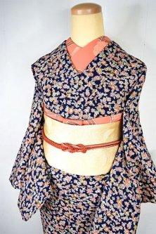 ネイビーブルーにドリーミーカラーフラワーパターン愛らしいウール紬単着物