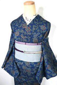 紺瑠璃色地に流水アラベスク四季の草花染め模様美しいウール紬単着物