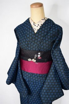 神秘的なブルーのダマスク織り風装飾模様ロマンチックなウール単着物