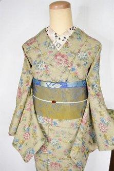 ハーブグリーンベージュにクラシックフローラルデザイン美しいウール紬単着物
