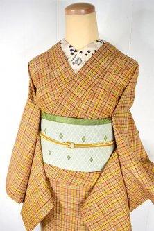 マスタードベージュにマルチカラーチェックモダンなウール単着物