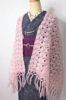パウダリーピンクのモヘアニットショール(猫の羽織紐付き)