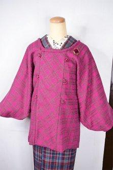 フーシャピンクチェックがドラマチックなウール混ビンテージ着物コート