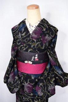 茨姫の物語のようなワイルドローズアラベスク美しいウール単着物