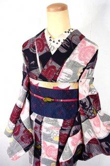 市松縞格子に鼓文様浮かぶ大正ロマン袷仕立てウール着物