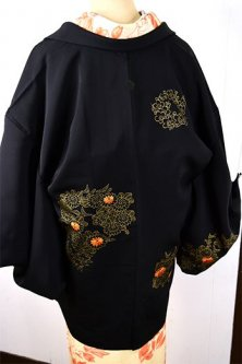 花かんむりのような刺繍と金彩の花丸文様美しいレトロ黒羽織
