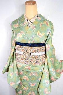 パウダリーパステルグリーンに花蝶々ロマンチックな正絹袷着物