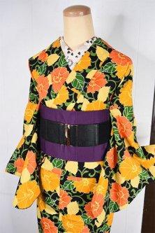 ブラックにソレイユカラー花アラベスク美しいウール単着物