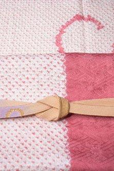 帯締めと昔着物の柄帯揚げ・半衿セット(染め分け紅桃色鹿の子)
