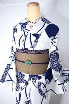 白地に紺の燕子花と団扇文様美しい注染レトロ浴衣