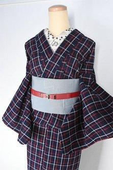 ダークネイビーにシンプルチェックモダンなしじら織り綿単着物