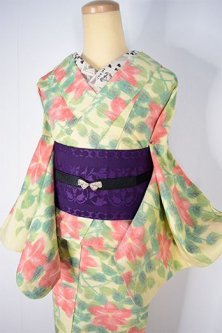 クリームイエローに鉄線のようなフラワーモチーフモダンな正絹紬単着物