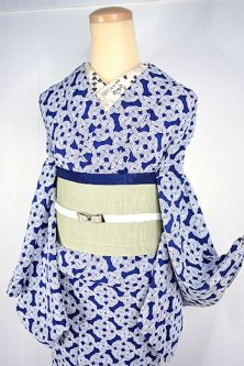 藍と白のケルティック・ノットのような幾何学模様モダンな化繊単着物