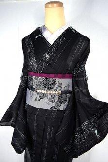 黒地に水簾縞と蜻蛉涼やかに美しい化繊絽の夏着物