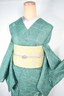 エッグシェルグリーンにシーグラスのような抽象デザインモダンな化繊絽の夏着物