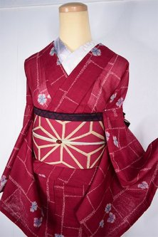 深紅色地れんが格子になでしこの花美しい高級化繊夏着物