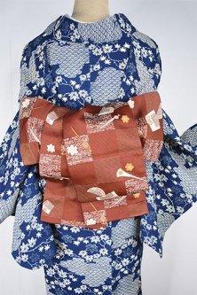 市松に簪や櫛の髪飾り紋様雅やかな半幅帯(団十郎茶)
