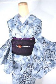 ムーングレーろうけつ染氷割れ模様に菊花幻想的に浮かぶ注染レトロ浴衣
