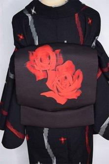 ローズブラックに薔薇の花幻想的に浮かぶ正絹塩瀬染名古屋帯
