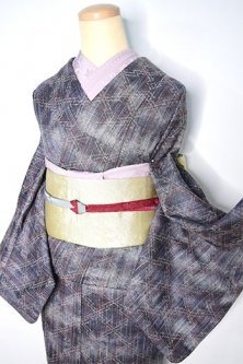 紫水晶鼠の霞ぼかしに松皮菱文様小粋なウール紬単着物