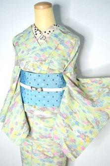 モネの花庭のようなパステルグリーンフラワーモチーフ愛らしいウール紬単着物