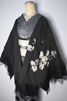ビンテージリメイク・レースデコレーション黒羽織(モノクローム・フローラル)
