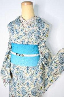 アイボリーとブルーのペイズリーアラベスクロマンチックな正絹縮緬袷着物