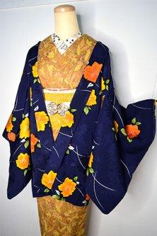 ミッドナイトネイビーに秘密の花園のような花重ねロマンチックな正絹レトロ羽織
