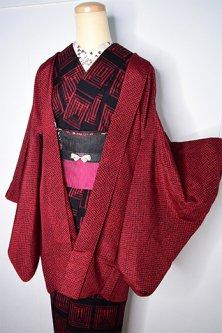 紅と黒の鹿の子ドットシンプルモダンなレトロ羽織