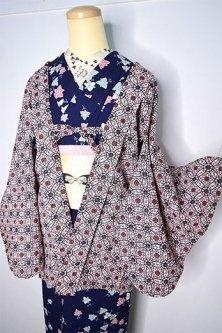 パステルピンクのアラベスク七宝ジオメトリック美しいレトロ羽織