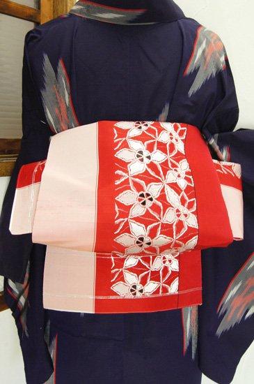 赤と白銀の氷の花のようなノスタルジックボーダー単帯