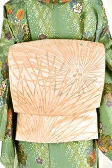 淡香象牙色に菊松葉あでやかに美しい大正浪漫洒落袋帯