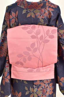マカロンピンクにアールヌーボー草葉模様モダンな洒落袋帯