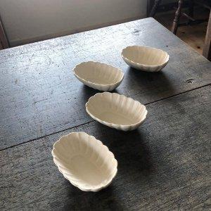 輪花楕円小鉢