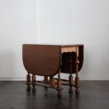 <img class='new_mark_img1' src='//img.shop-pro.jp/img/new/icons20.gif' style='border:none;display:inline;margin:0px;padding:0px;width:auto;' />Antique Gate leg table 1930'S