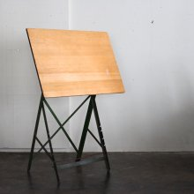 <img class='new_mark_img1' src='https://img.shop-pro.jp/img/new/icons20.gif' style='border:none;display:inline;margin:0px;padding:0px;width:auto;' />Vintage Drafting table