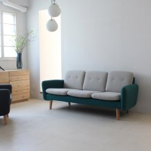 <img class='new_mark_img1' src='//img.shop-pro.jp/img/new/icons20.gif' style='border:none;display:inline;margin:0px;padding:0px;width:auto;' />Couleur 3seat sofa
