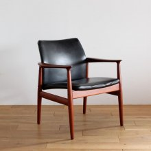 <img class='new_mark_img1' src='https://img.shop-pro.jp/img/new/icons47.gif' style='border:none;display:inline;margin:0px;padding:0px;width:auto;' />Vintage Arm chair / Grete Jalk