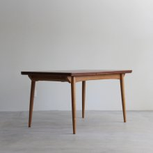 <img class='new_mark_img1' src='//img.shop-pro.jp/img/new/icons47.gif' style='border:none;display:inline;margin:0px;padding:0px;width:auto;' />Vintage Dining table