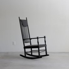 <img class='new_mark_img1' src='//img.shop-pro.jp/img/new/icons47.gif' style='border:none;display:inline;margin:0px;padding:0px;width:auto;' />Vintage Rocking chair