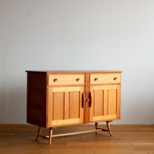 <img class='new_mark_img1' src='https://img.shop-pro.jp/img/new/icons47.gif' style='border:none;display:inline;margin:0px;padding:0px;width:auto;' />Vintage Side board / Ercol