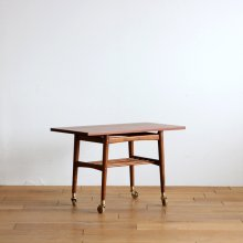 <img class='new_mark_img1' src='//img.shop-pro.jp/img/new/icons20.gif' style='border:none;display:inline;margin:0px;padding:0px;width:auto;' />Vintage Side table