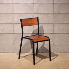 <img class='new_mark_img1' src='//img.shop-pro.jp/img/new/icons20.gif' style='border:none;display:inline;margin:0px;padding:0px;width:auto;' />Vintage stacking chair