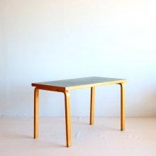 <img class='new_mark_img1' src='https://img.shop-pro.jp/img/new/icons47.gif' style='border:none;display:inline;margin:0px;padding:0px;width:auto;' />Vintage Table / Alvar Aalto, table80 artek