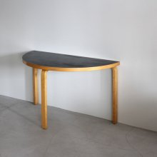 <img class='new_mark_img1' src='https://img.shop-pro.jp/img/new/icons47.gif' style='border:none;display:inline;margin:0px;padding:0px;width:auto;' />Vintage Table / Alvar Aalto,Table 95 artek